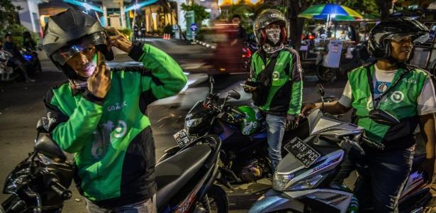 Motoristas da Go-Jek em Jacarta; empresa oferece carona compartilhada e diversos serviços