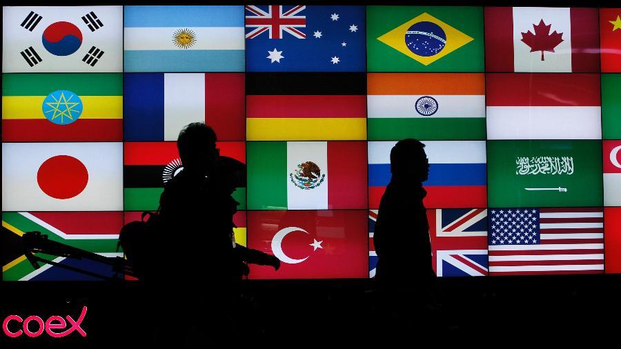 G20 fecha pacto histórico sobre dívida para ajudar países mais pobres atingidos pela covid-19 - Jo Yong hak
