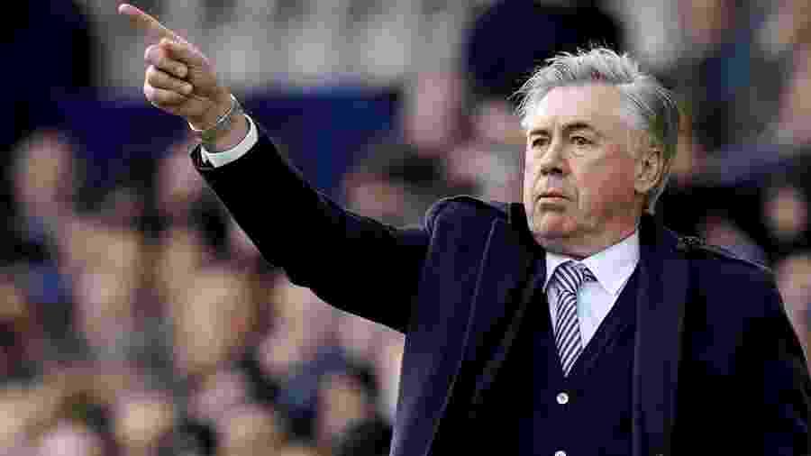 Carlo Ancelotti em ação partida entre Everton e Crystal Palace na Inglaterra. Técnico quer Cebolinha no time - Andrew Yates
