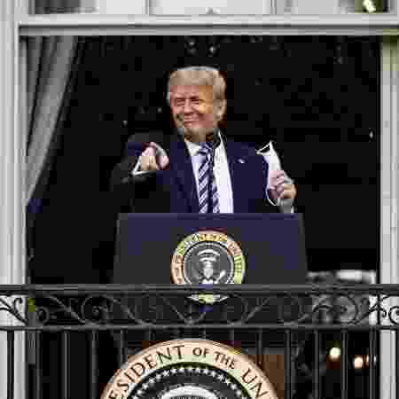 Oito dias após testar positivo para covid-19, o presidente dos EUA, Donald Trump, discursou em evento na Casa Branca - Samuel Corum/Getty Images/AFP