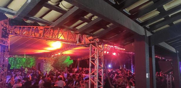 Local foi notificado | MG: festa com DJs internacionais e 600 pessoas é interditada