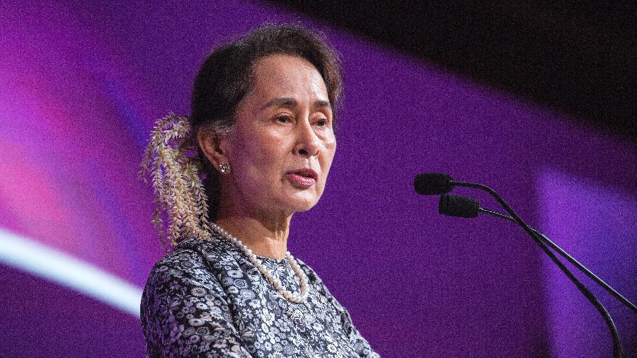 Aung San Suu Kyi foi deposta em razão de um golpe de Estado - Ore Huiying / Getty Images