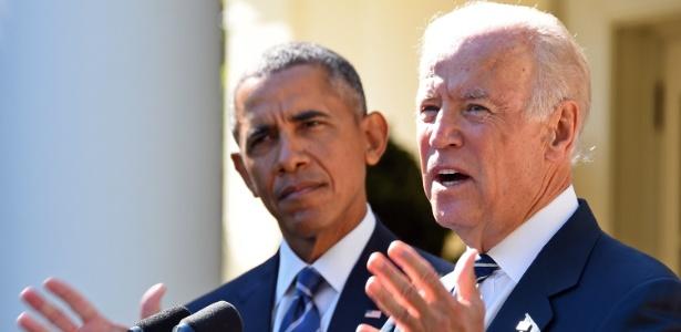 O vice-presidente dos EUA, Joseph Biden, em discurso ao lado de Barack Obama