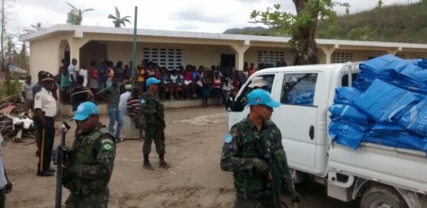 Desabrigados do Haiti foram concentrados em escolas para receber ajuda humanitária