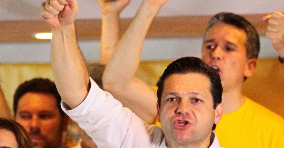 Geraldo Julio (PSB) comemora vitória no segundo turno das eleições de 2016 para a Prefeitura do Recife. O candidato venceu o rival João Paulo (PT) com boa folga, tendo obtido 61,30% dos votos