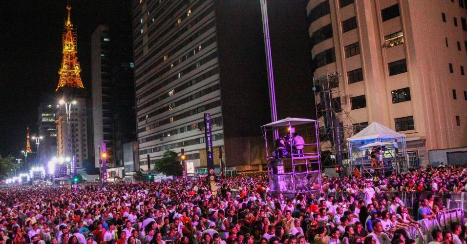 1.jan.2017 - Público durante show da virada de ano na Avenida Paulista, em São Paulo
