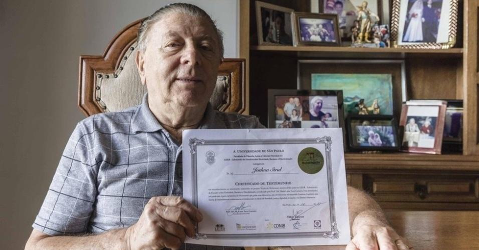 27.jan.2018 - O romeno trabalhou como vendedor ambulante quando chegou ao Brasil