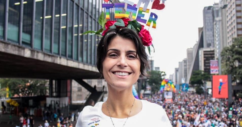 3.jun.2018- A pré-candidata do PCdoB à Presidência da República, Manuela D'Ávila, comparece ao desfile da 22ª edição da Parada do Orgulho LGBT de São Paulo, realizada na Avenida Paulista