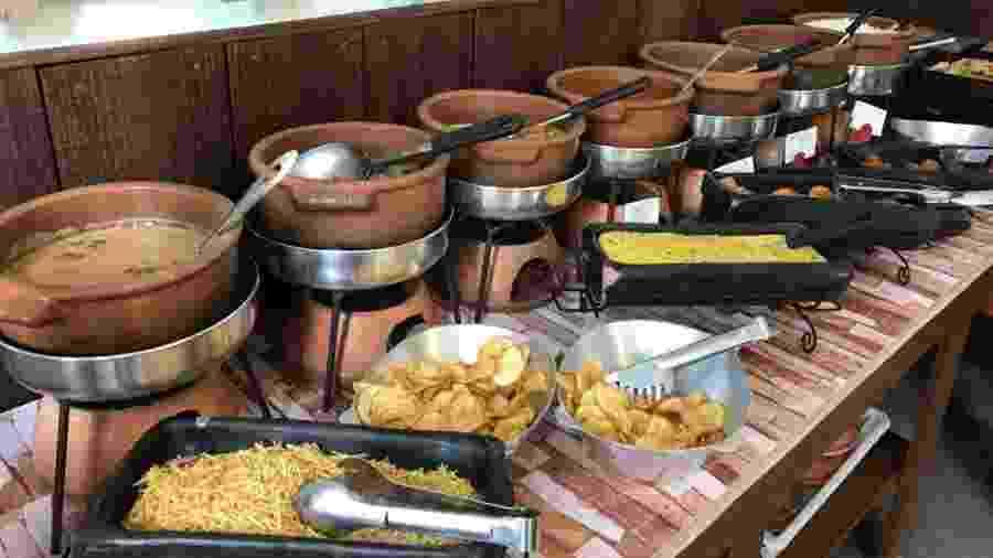 No Armazém Bistrô, em Porto Belo (SC), é o próprio cliente que pesa o prato de comida, calcula o valor que gastou e paga a conta - Lucas Gabriel Marins/UOL