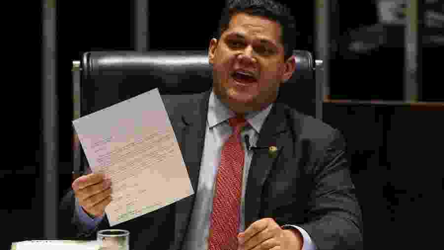 O presidente do senado federal, Davi Alcolumbre (DEM-AP), preside sessão do senado destinada a votar a MP 870, da reestruturação administrativa do governo Bolsonaro - Pedro Ladeira/Folhapress