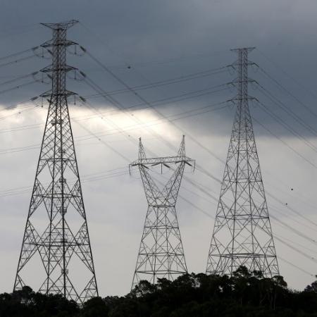 Em todo o primeiro trimestre deste ano, as contas de luz tiveram custo adicional de 1,343 real a cada 100 kilowatts-hora consumidos, devido ao acionamento da bandeira amarela - PAULO WHITAKER