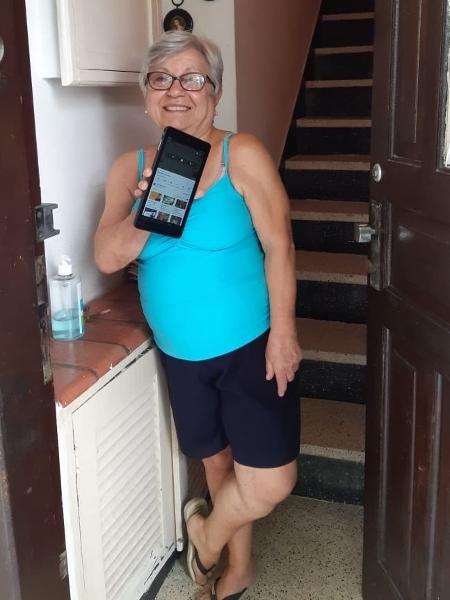 Maria Ferrari passou a usar o tablet na quarentena - Arquivo pessoal