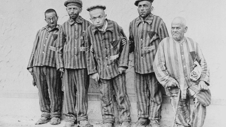 Dezenas de milhares de judeus foram enviados a campos de concentração depois da Noite dos Cristais - BBC - BBC