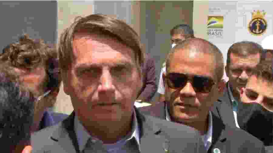 Presidente Jair Bolsonaro durante entrevista em que atacou e suspendeu entendimento entre o Ministério da Saúde e o Instituto Butantan. Foi o ato mais boçal de sua lamentável carreira na vida pública - Reprodução/Portal G1