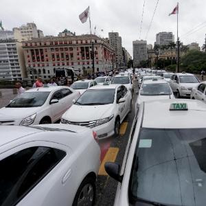 Taxistas em protesto contra o aplicativo Uber, em São Paulo