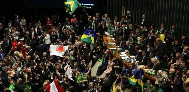 Aprovação do pedido de impeachment de Dilma Rousseff na Câmara ocorreu em um domingo - Alan Marques/Folhapress