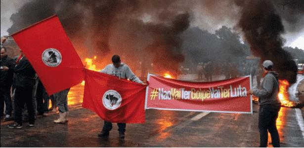 protestos RS - Reprodução/ Twitter/ @vitoralvesrosa - Reprodução/ Twitter/ @vitoralvesrosa