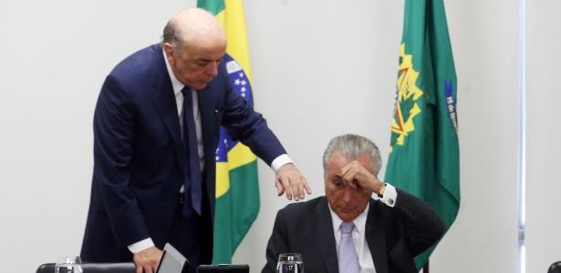 José Serra (e) pediu demissão a Michel Temer alegando problemas de saúde - André Dusek/Estadão Conteúdo