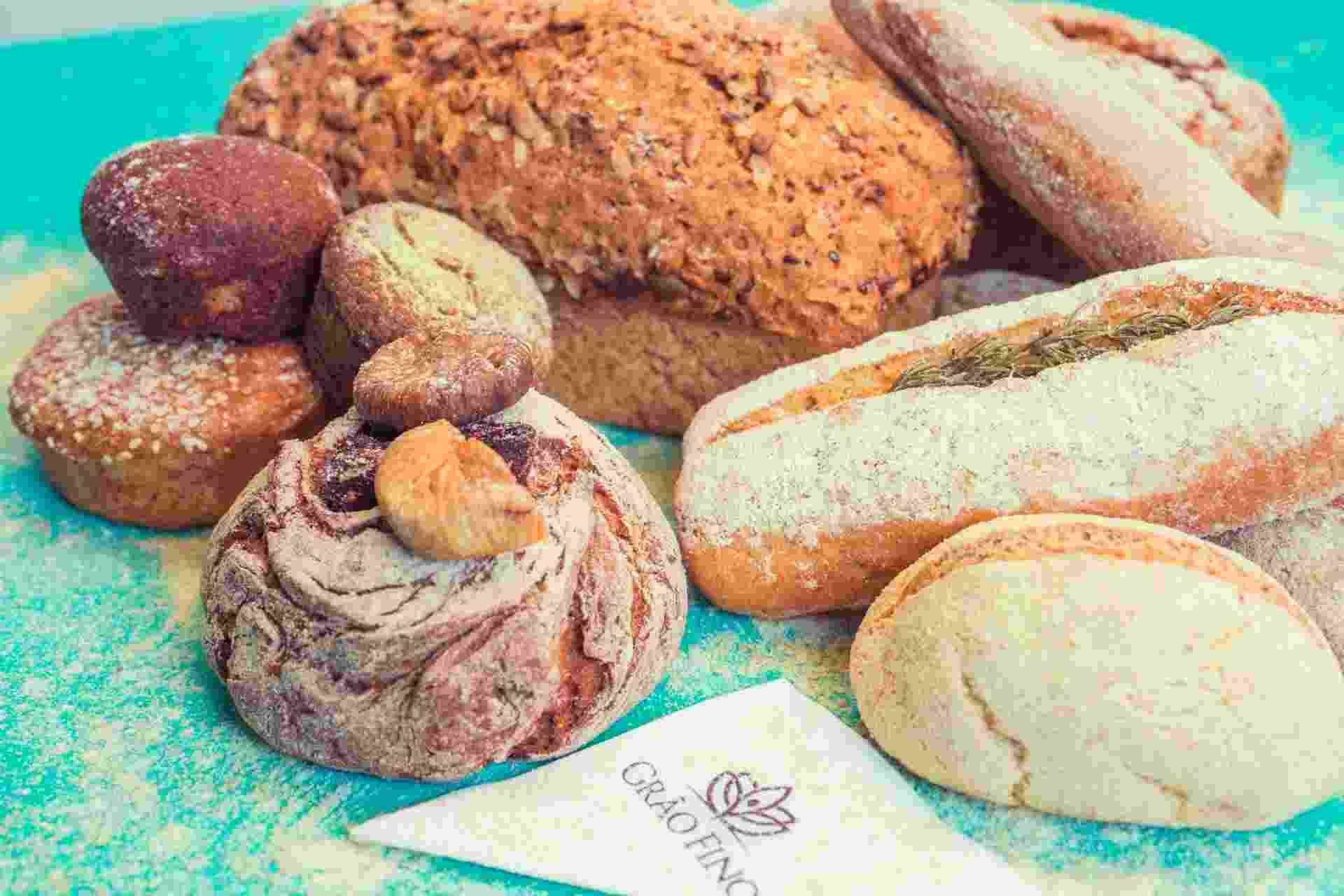 Pães vendidos na padaria e restaurante Grão Fino, que não tem produtos com glúten e lactose - Divulgação