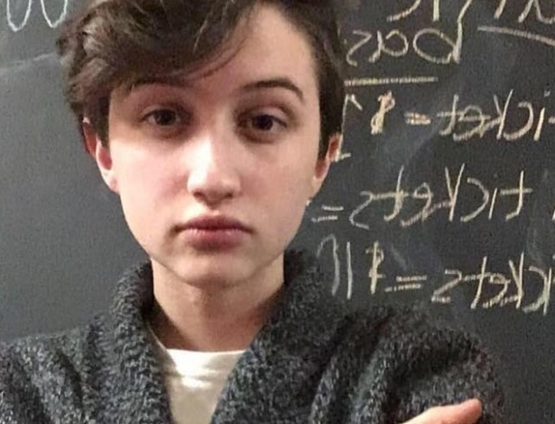Ashton Whitaker ganhou o direito de usar o banheiro masculino de seu colégio após batalha judicial