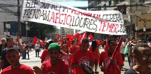Manifestantes ligados a movimentos sociais participam do 23º Grito dos Excluídos