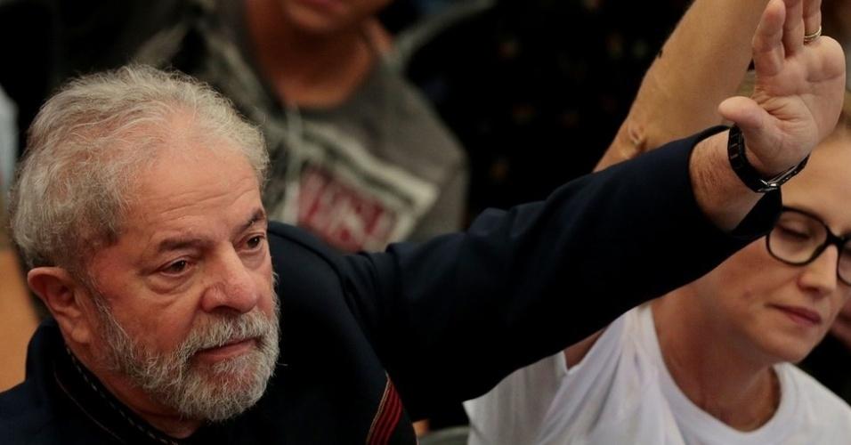 Condenação por corrupção passiva e lavagem de dinheiro pode impedir candidatura do ex-presidente Lula