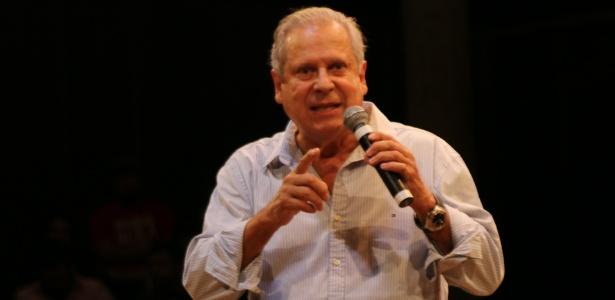 """Dirceu critica discurso de Bolsonaro e brinca sobre próprias prisões: """"música no Fantástico"""""""