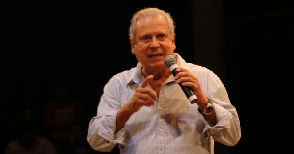 'Música no Fantástico' | Dirceu critica discurso de Bolsonaro e brinca sobre próprias prisões
