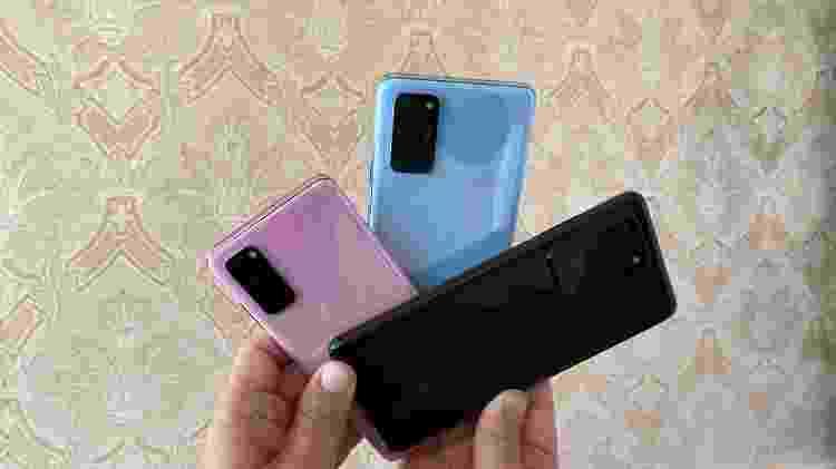 Novos celulares Galaxy S20 (azul e rosa) e o Galaxy S20 Ultra (preto)  - Gabriel Francisco Ribeiro/Tilt - Gabriel Francisco Ribeiro/Tilt