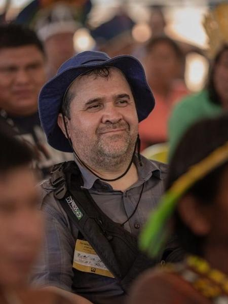 O jornalista Rubens Valente na terra indígena Piaraçu, em Mato Grosso. Colunista do UOL foi premiado por revelar a produção de dossiês sobre servidores no Ministério da Justiça - Arquivo pessoal