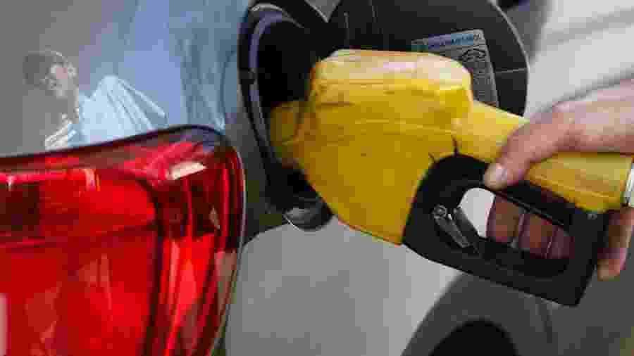 Preço do etanol deve ser até 70% do valor da gasolina para ser mais vantajoso nas bombas - PAULO WHITAKER