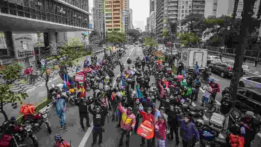 Entregadores de aplicativos protestam em frente à Câmara dos Vereadores de SP - Taba Benedicto/Estadão Conteúdo