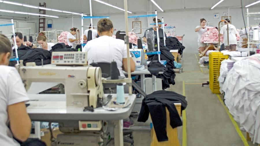Liderança engajada, equipe motivada: em um mês de alta produtividade, são confeccionadas até 150 mil peças - Divulgação/Zatom