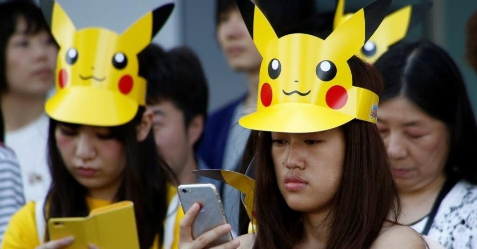 """13.ago.2016 - Não basta jogar """"Pokémon Go"""" é preciso ter  o Pikachu na cabeça para participar de eventos no Japão"""