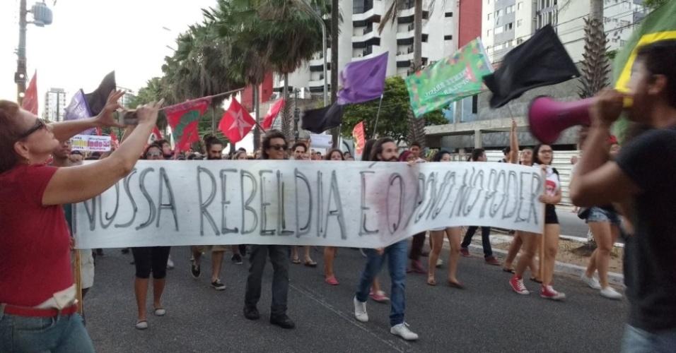 7.ago.2016 - Manifestantes pedem a saída do presidente Michel Temer da Presidência da República durante ato em Natal (RN)