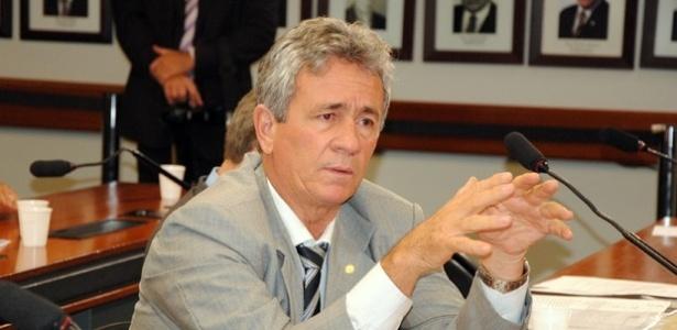 Ex-deputado federal Carlos Souza (PSD-AM) recebeu R$ 212 mil em doações de acionistas de empresa que administra seis presídios no Estado do Amazonas