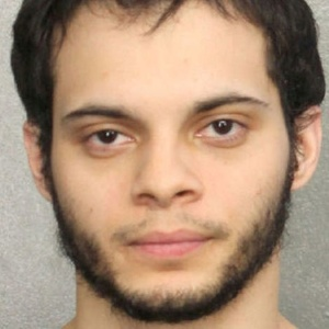 "Esteban Santiago, em foto do xerife do condado de Broward, em Fort Lauderdale, na Flórida - Broward County Sheriff""s Office/Handout/Reuters"