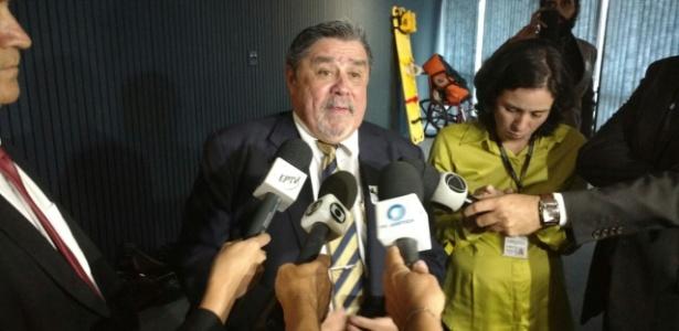 """Advogado do goleiro Bruno, Lúcio Adolfo da Silva, se disse """"indignado"""" com decisão"""