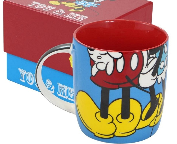 Caneca do Mickey Mouse, personagem da Disney, vendido pela marca Crazy4Cups, da empresa Pillowtex