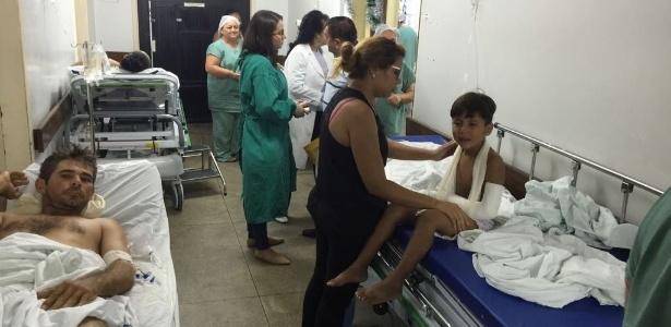 Corredor da maior emergência da rede pública de saúde do Rio Grande do Norte; sindicato acusa redução de leitos nos últimos anos