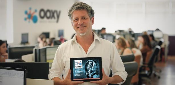 Helio Brito fundou a Ooxy, franquia que faz playlists personalizadas para comércio