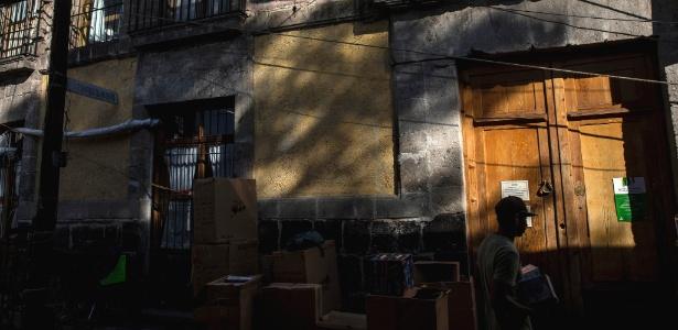 A Casa Xochiquetzal fica escondida atrás de um labirinto de camelôs, na Cidade do México