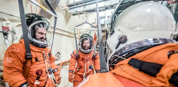 Engenheiros da Nasa testam traje a ser usado ??na nave espacial Orion