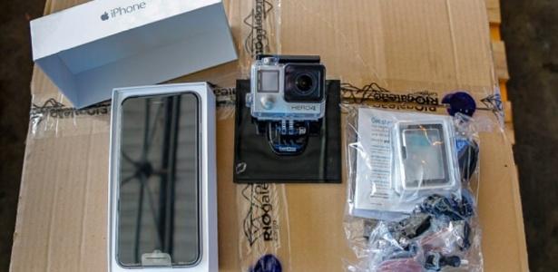 Um celular IPhone 6 e uma câmera GoPro, por exemplo, terão lance inicial de R$ 800 - Divulgação/Receita Federal