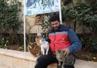 """Em meio à guerra na Síria, """"homem dos gatos"""" cria abrigo para animais abandonados - Omar Haj Kadour/AFP"""