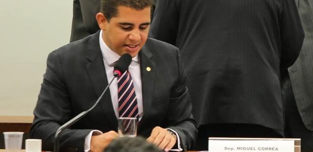 Deputado Miguel Correa (PT-MG) durante votação do orçamento na Câmara, em 2014