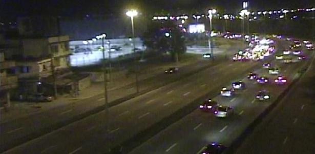 Trecho da avenida Ayrton Senna fechado no sentido Linha Amarela devido a operação - Reprodução/Centro Operações Rio