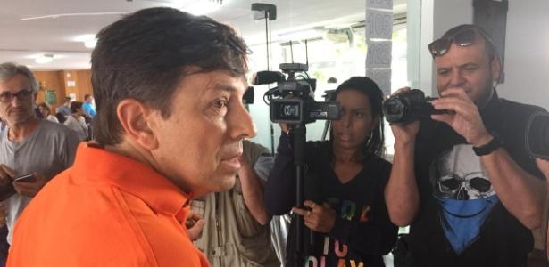 João Amoêdo chega para votar em zona eleitoral do Leblon, no Rio