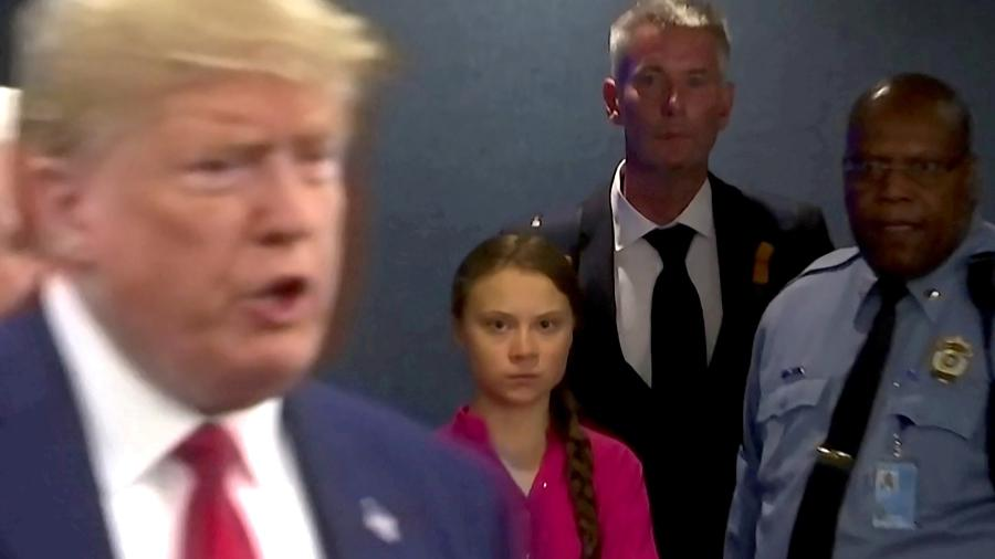 Ativista sueca Greta Thunberg olha para presidente dos EUA, Donald Trump - Andrew Hofstetter