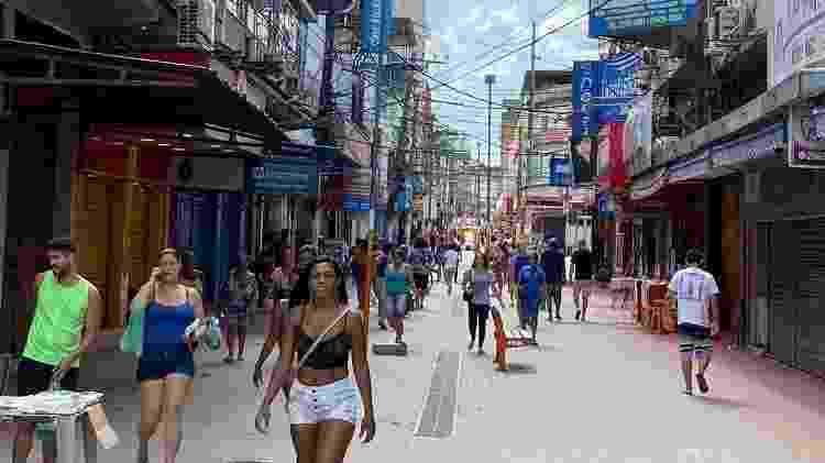 Por coronavírus, Belford Roxo tinha ruas muito mais vazias que em um dia normal - Caio Blois/UOL - Caio Blois/UOL